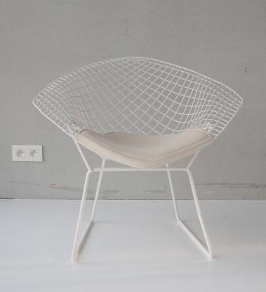 2018 december knoll bertoia diamand chairs-1